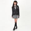 小学校の卒業式、女子はどのような服を着ればいいのでしようか。